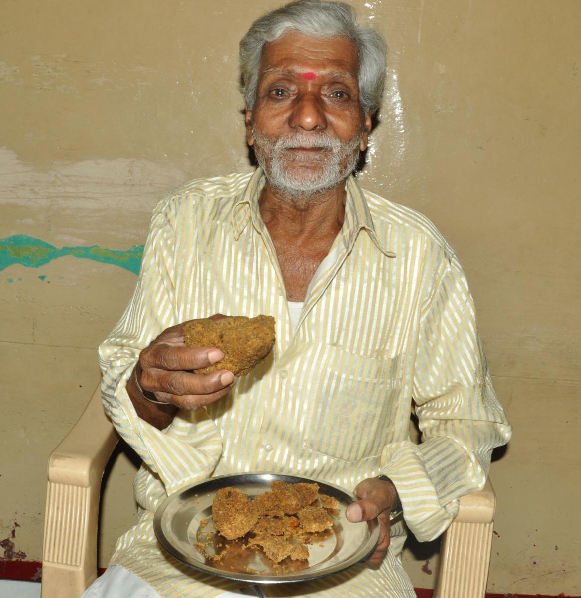 Mahadevaiah showsAmbarish's favourite sweet.