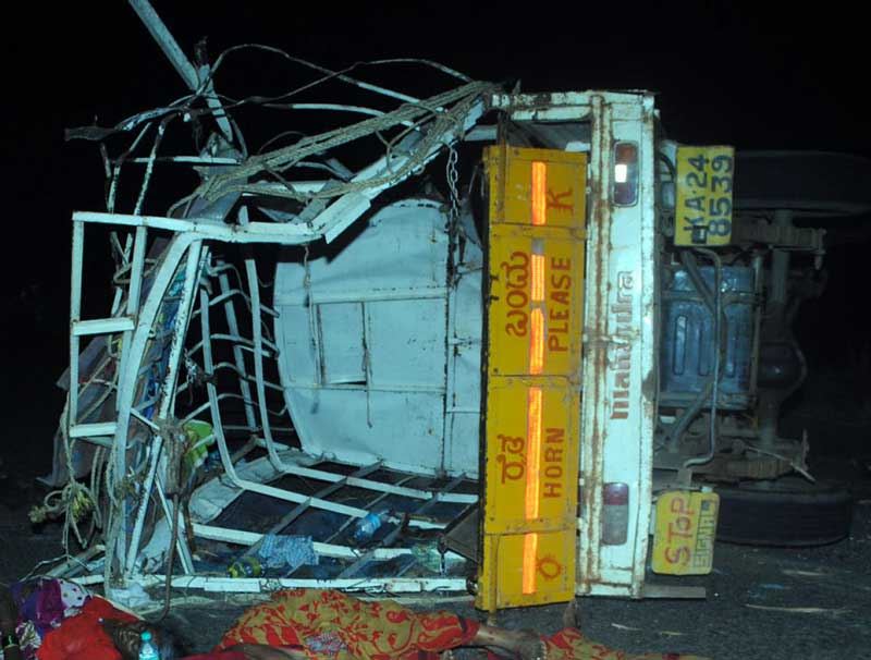 The goods vehicle that rammed a sugarcane-laden tractor-trolley near Gokak in Belagavi district in the early hours of Tuesday, killing six women on the spot. (DH Photo)