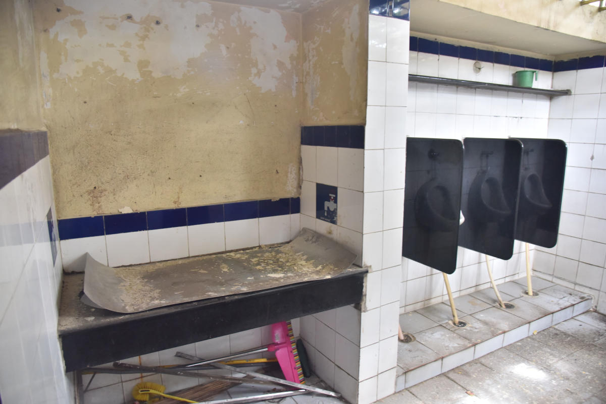 The gas stove and other material placed in a toilet in Chamarajpet have now been removed, but as far as cleanliness goes, more needs to be done.