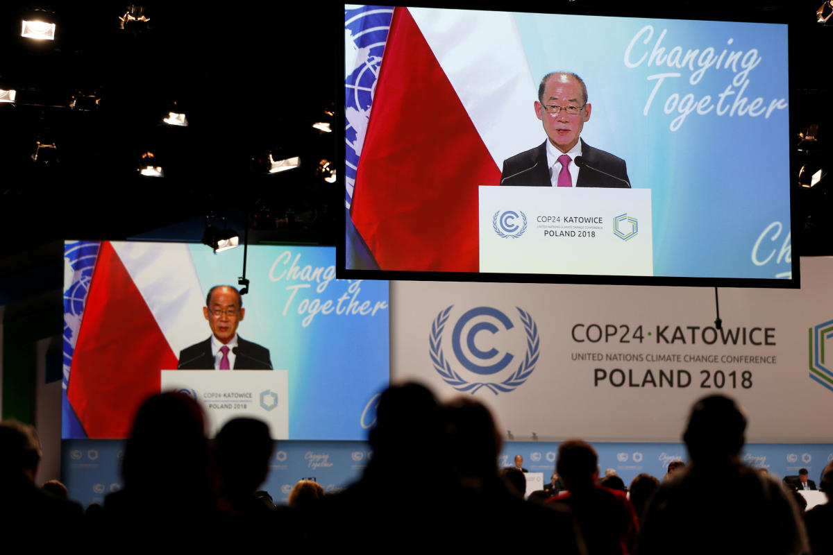 Hoesung Lee, chairman of the Intergovernmental Panel on Climate Change (IPCC) addresses at the COP24 U.N. Climate Change Conference 2018 in Katowice, Poland December 11, 2018. Agencja Gazeta/Grzegorz Celejewski via REUTERS ATTENTION EDITORS - THIS IMAGE W