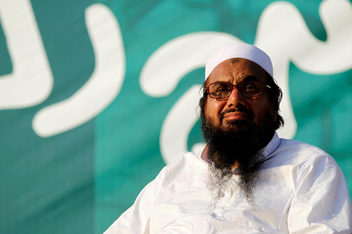 """Hafiz Muhammad Saeed, chief of the banned Islamic charity Jamat-ud-Dawa, looks over the crowed as they end a """"Kashmir Caravan"""" from Lahore with a protest in Islamabad, Pakistan on July 20, 2016. Reuters"""