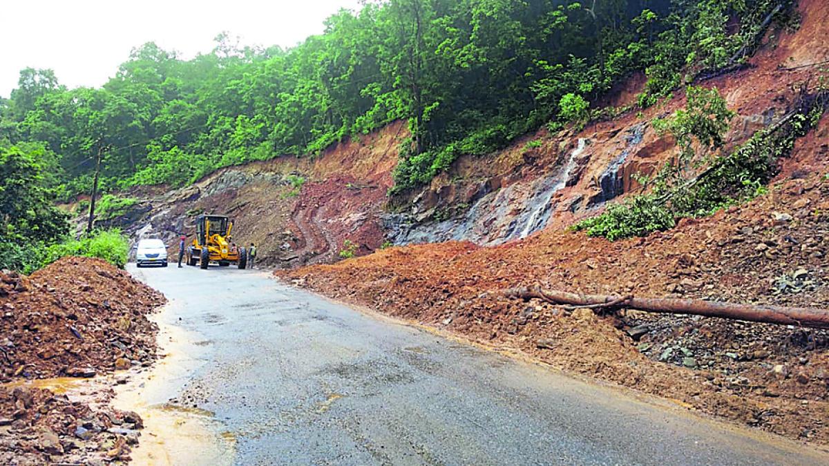 The NH 75 stretch at Kodyakallu near Shiradi was cleared after a landslide.