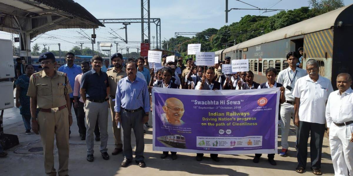 'Swachhtha Hi Seva' campaign was held at Mangaluru Junction Railway Station on Saturday.