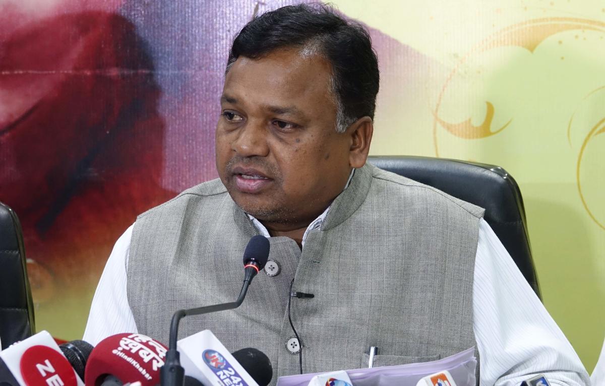 Ramdayal Uike addresses a press conference.