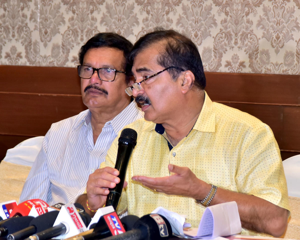 Alva's Education Foundation Chairman Dr Mohan Alva speaks to mediapersons in Mangaluru on Monday.