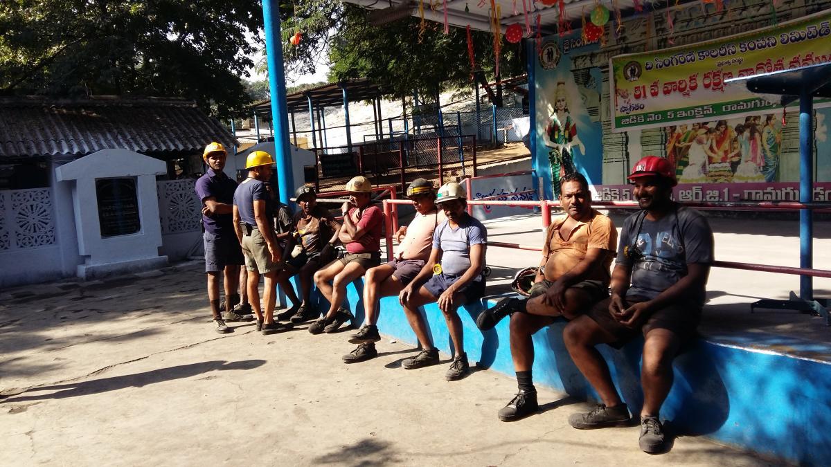 Miners atGodavarikhani. DH PHOTO