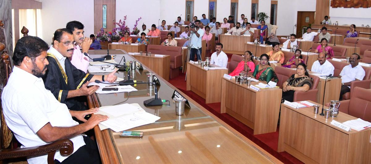 Mayor K Bhaskar Moily addressing the monthly meeting of the Mangaluru City Corporation in the city on Tuesday.