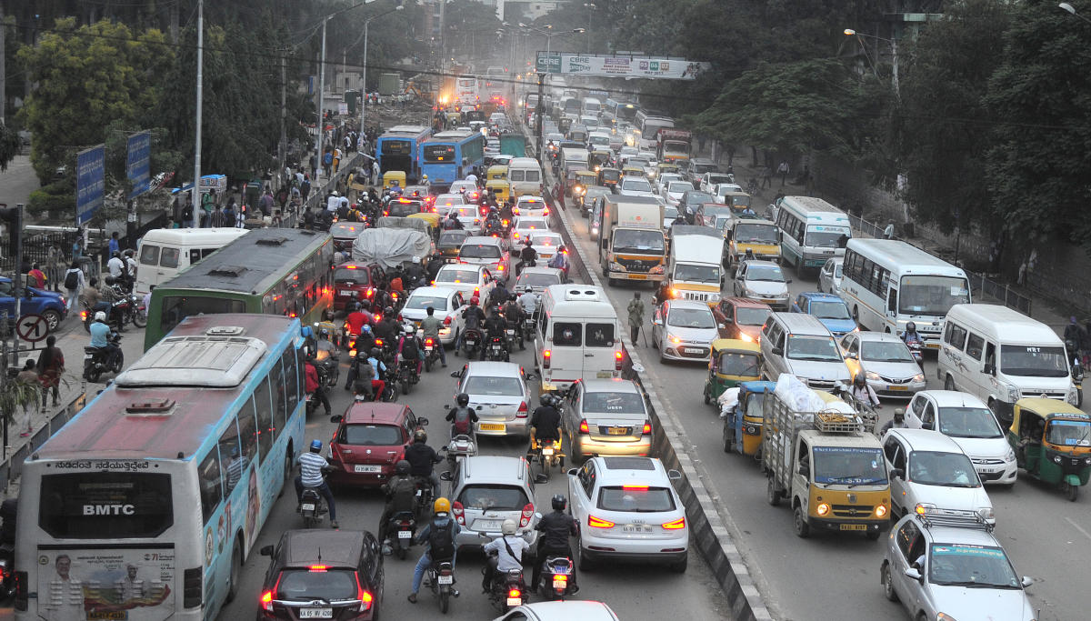 Urban planners feels that the city needs multiple public transport options to solve the problem of traffic jams.