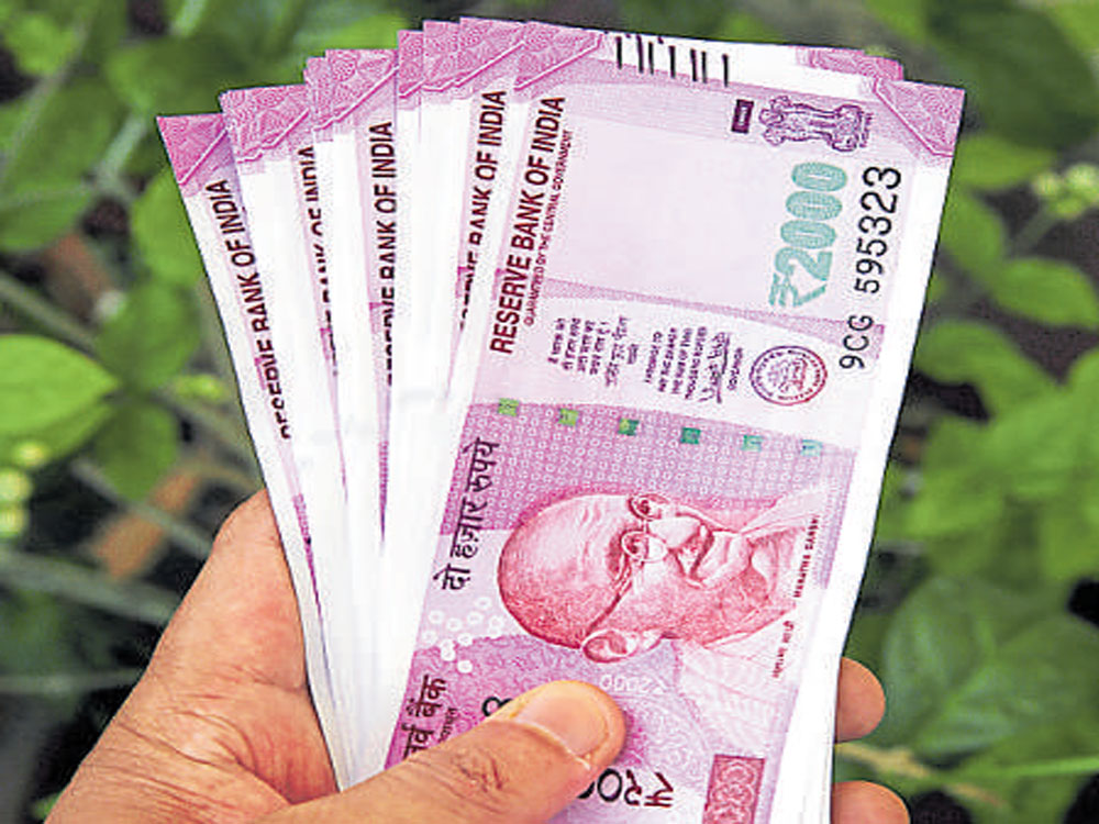 Domestic stock markets extending gains for the third session also supported the local currency.