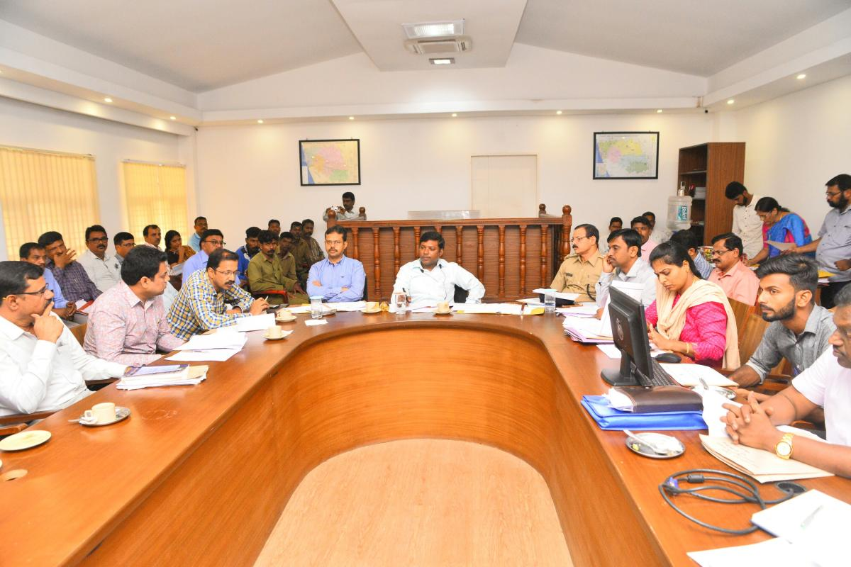 Deputy Commissioner Sasikanth Senthil speaks at a review meeting in Mangaluru on Saturday.
