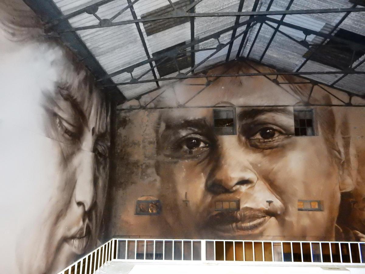 A MASSIVE WALL MURAL AT SASSOON DOCK ART PROJECT