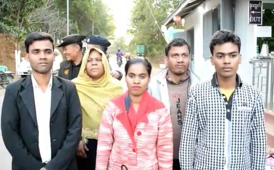 Five Rohingyas, who had illegally entered Assam in 2014were repatriated through India-Myanmar border at Moreh in Manipur on Thursday. DH photo