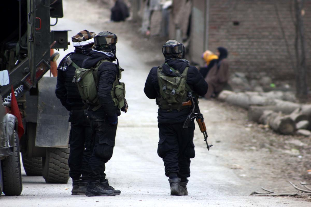 The security forces launched a cordon and search operation in Aripal village of the south Kashmir district this morning following specific information about the presence of militants there, a police official said. DH file photo.