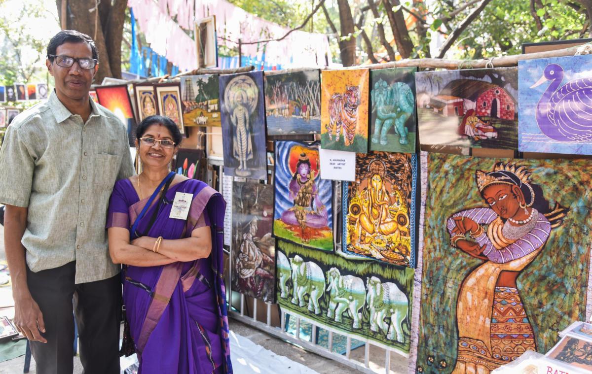 K Anuradha, a deaf artist based in Bengaluru, had displayed handpainted Batik silk greeting cards, scarves and paintings.