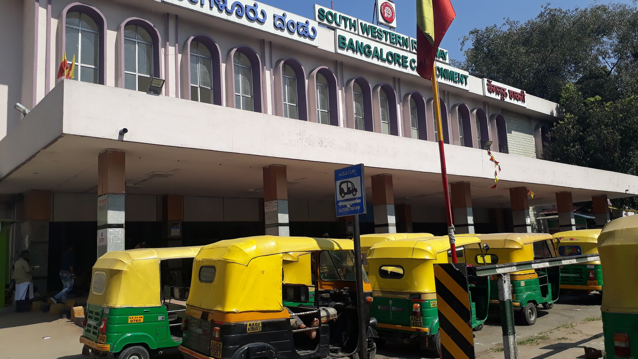 Auto drivers waiting for passengers outside the Cantonment railway station. Train passengers who arrived, and didn't have a smartphones to book cabs, were at the mercy of drivers who demanded exorbitant fares.