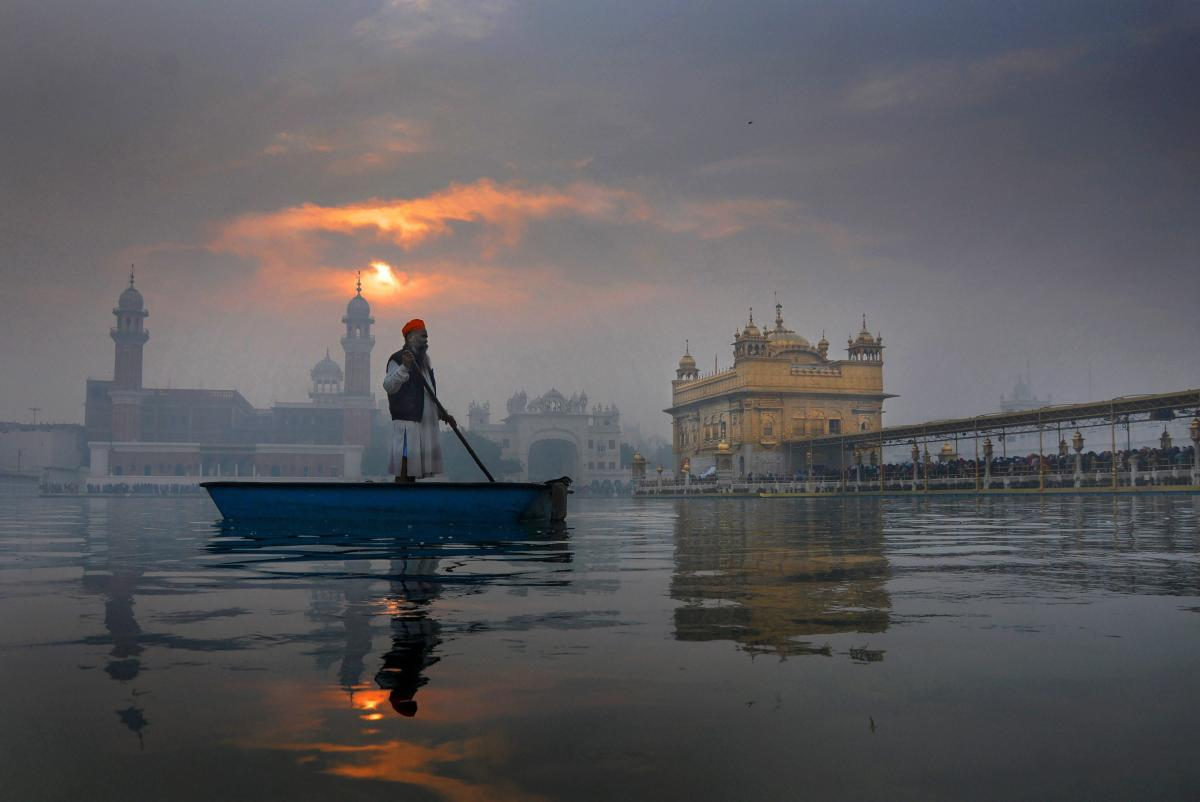 Selfies, photography and videography has been prohibited within the sacred Golden Temple in Amritsar in Punjab. PTI file photo