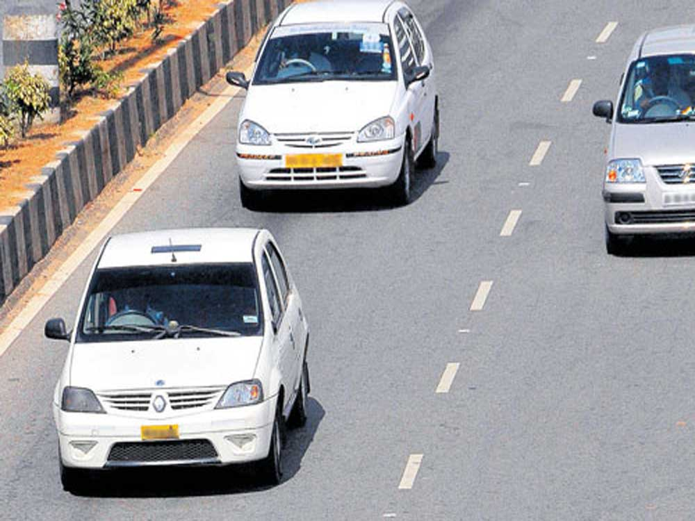 In Bengaluru, usage of rear seat-belts was found to be as low as 2.1%. Among the respondents surveyed, only 9.1% said that they wore seat belts regularly. DH file photo