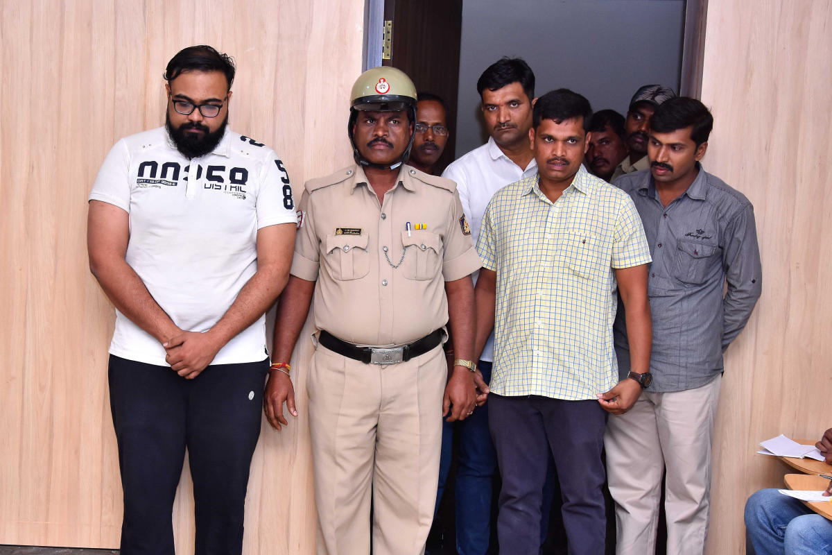The Davangere police on Wednesday arrested Sajan Rajagopal, an MBBS final year student of JJM Medical College, on charge of selling ganja and other drugs. DH PHOTO