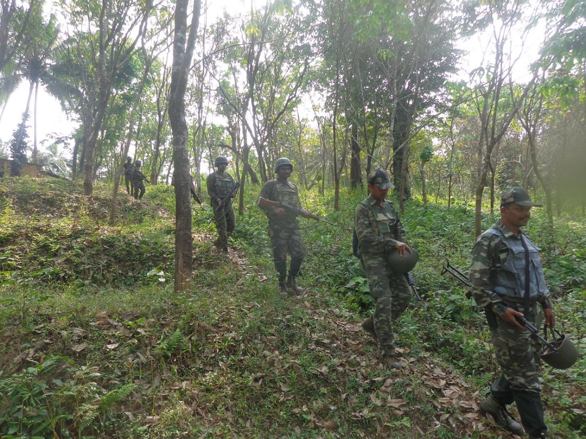 A wanted naxalite, carrying a reward of Rs 10 lakh, was killed by security forces in an encounter in Jharkhand's Dumka district on Sunday, police said. DH file photo