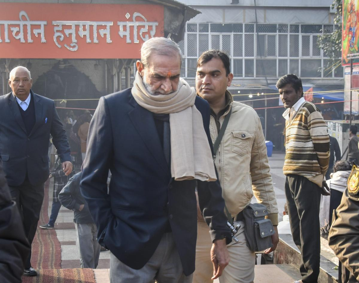 The Supreme Court on Monday issued notice to the CBI on a plea by Delhi Congress MP Sajjan Kumar on against his conviction and sentence of jail till the remainder of his life in a case of the killing of five persons here in 1984 anti-Sikh riots. PTI file