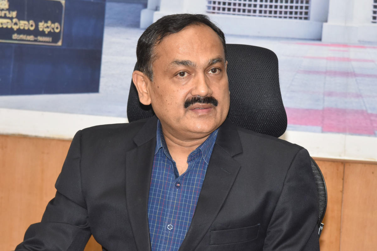 Karnataka Chief Electoral Officer Sanjeev Kumar clarified that no names were dropped from the electoral rolls on account of their migrant status though 45000 names were deleted after verification found that they were not residents of the given place. (DH