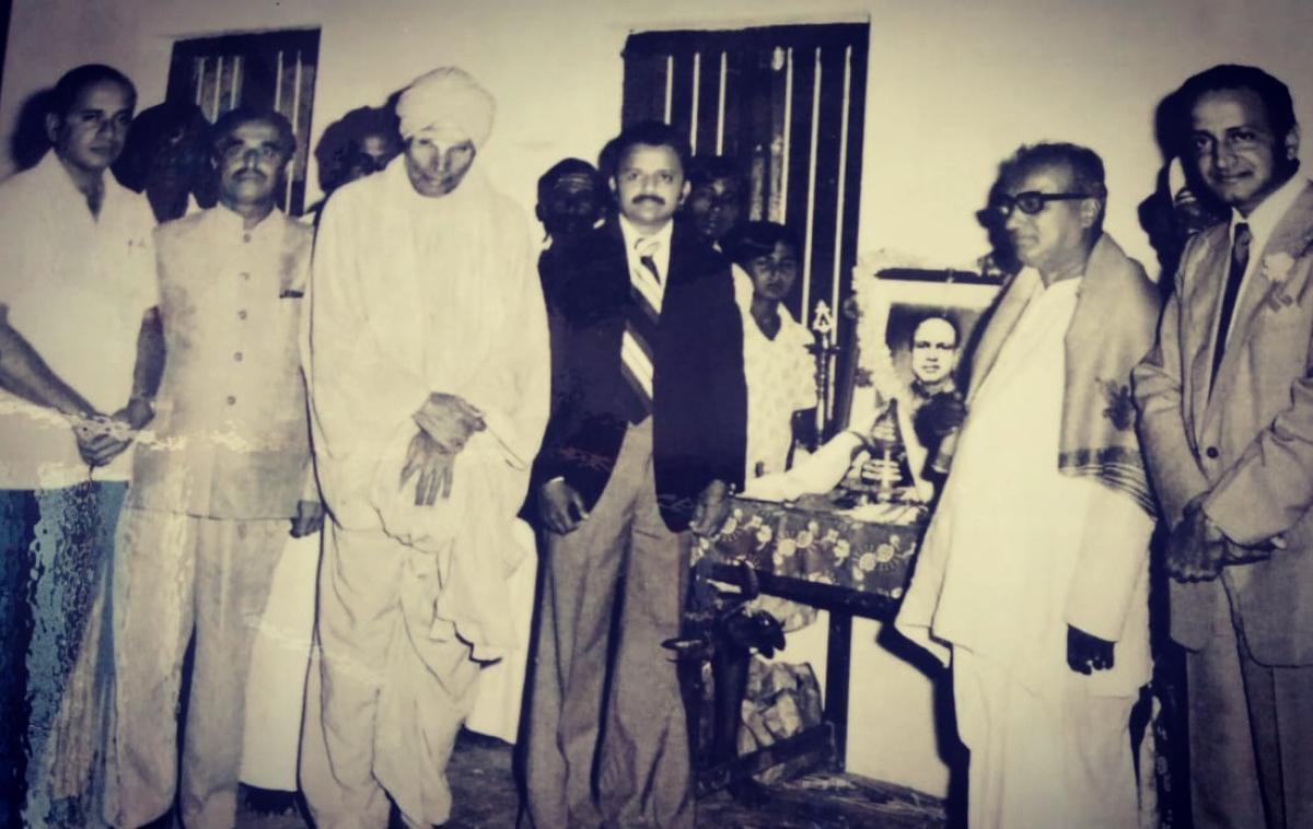 Siddaganga Mutt seer Shivakumara Swami and former Health Minister M Mallappa during the inauguration of A C Chandregowda Memorial High School at K Bidare in Kadur taluk in 1975.