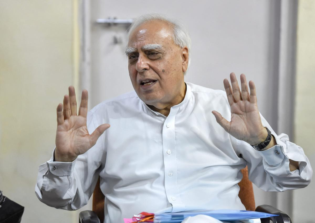 New Delhi: Senior Congress leader Kapil Sibal seen here interacting with the media, at AICC office in New Delhi, in this dated (Sept 25, 2018) file photo. (PTI Photo/Ravi Choudhary) (PTI9_25_2018_000111B)
