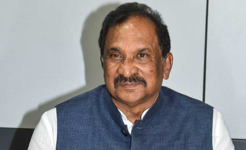 District In-charge Minister K J George inspected drought-hit areas in the taluk on Friday.DH file photo