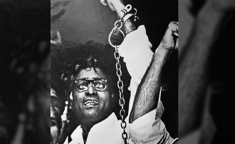 If he was rebellion personified, he was a man of contradictions too – his opposition to dual membership of Jan Sangh leaders in both RSS and Janata Party led to the collapse of the post-Emergency government in the late 1970s but a little over a decade, he embraced the BJP alliance giving the saffron party a political legitimacy it badly needed post-Babri Masjid demolition. Credit: George Fernandes.org