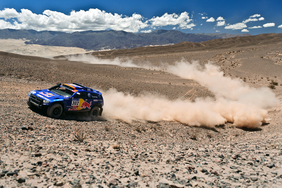 Dakar Rally. Picture credit: commons.wikimedia.org/ Marcelo Maragni/ Red Bull Photofiles