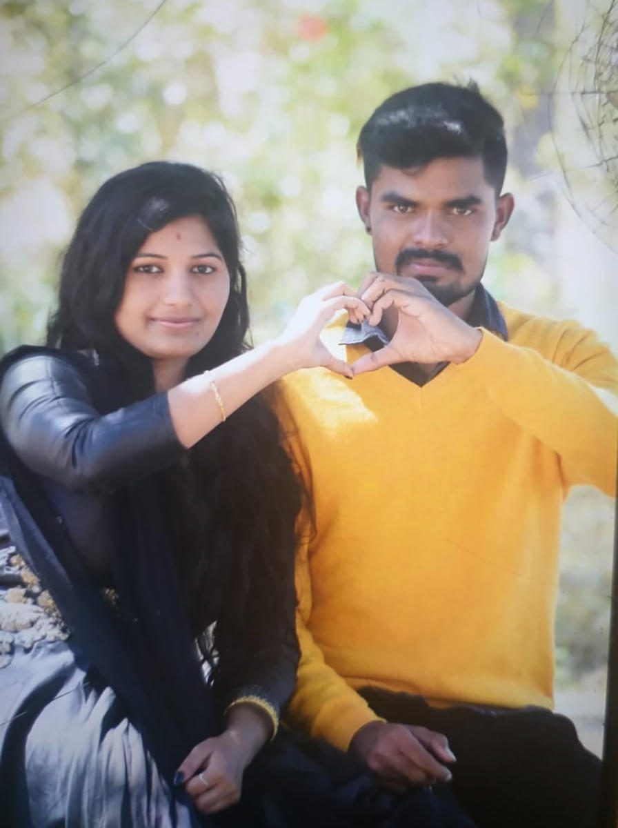 Sushma and Raju met on social media and got married. They were living near Tumakuru. Last week, he allegedly murdered her, saying she was flirting on Facebook.