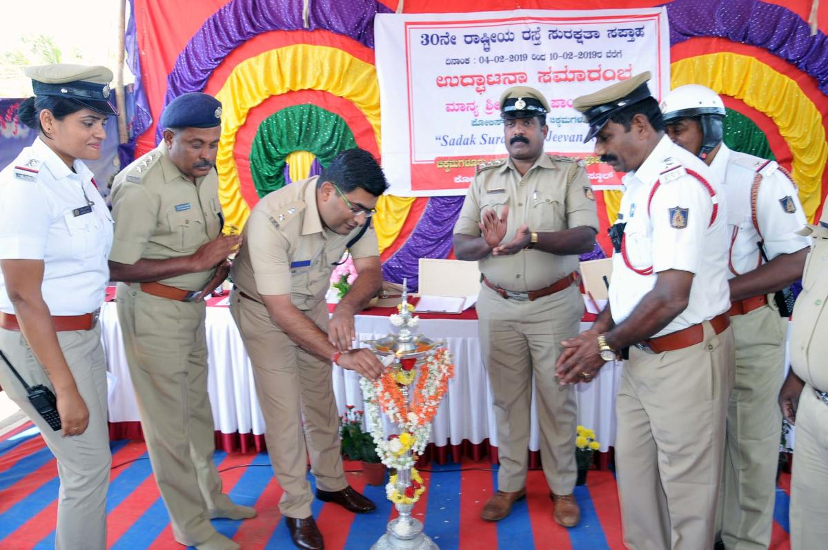 SP Harish Pandey inaugurates the Road Safety Week programme in Chikkamagaluru on Monday.