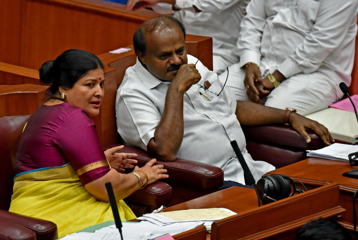 Chief Minister H D Kumaraswamy and Women and Child Development Minister Jayamala seen during winter Council Session. (DH Photo/ M S MANJUNATH)