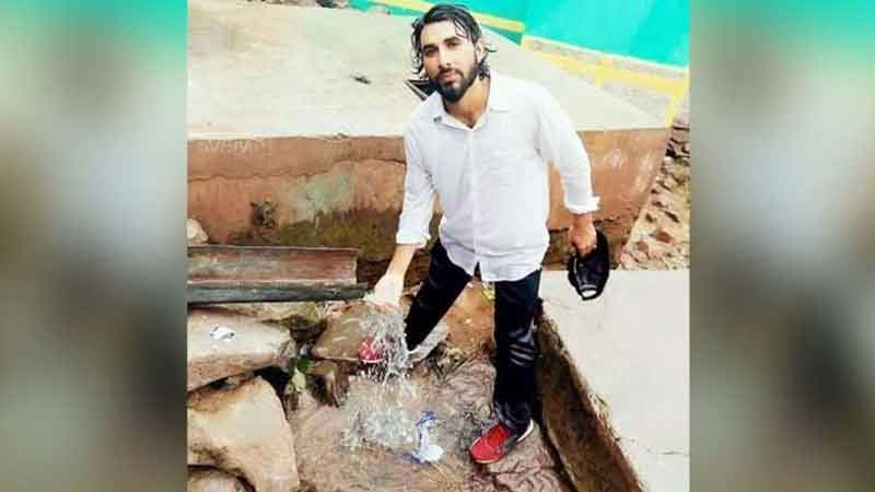 Aurangzeb, who was proceeding on leave for Eid on 14 June 2018, was abducted and later shot in the head and neck. (Image: Twitter)