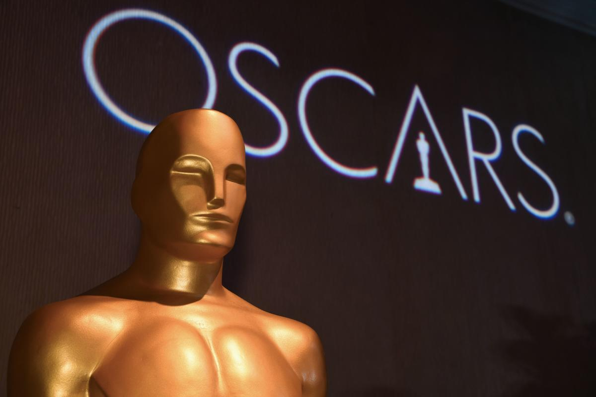 The upcoming Academy Awards, the biggest night in Hollywood, will take place this year without a host for the first time in three decades, organizers said on Tuesday. Agence France-Presse
