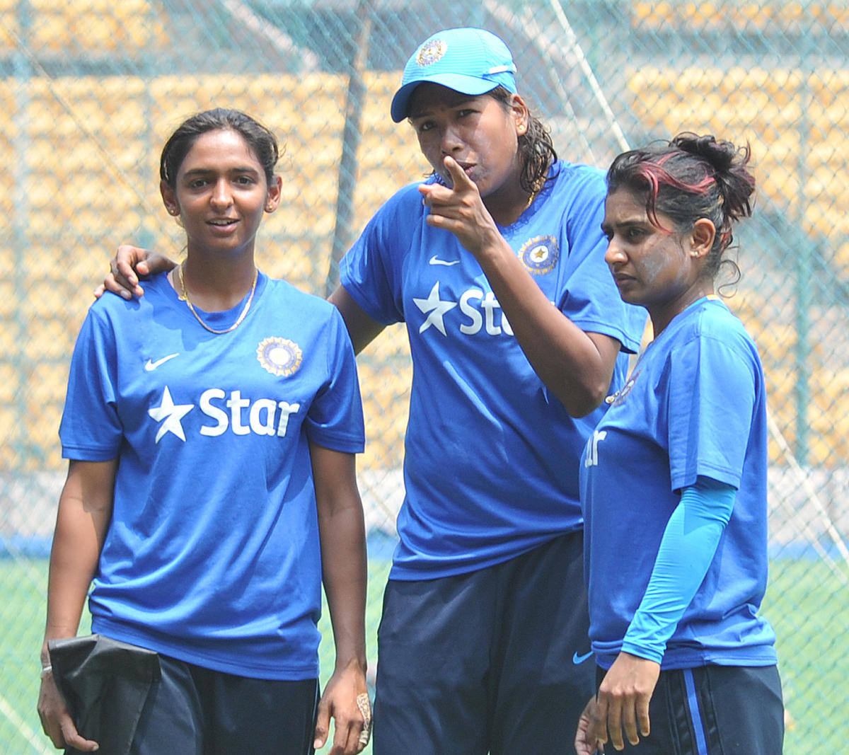 Harmanpreet Kaur (left) and Mithali Rai (right) were the captains of the two teams that played an exhibition T20 match during the IPL last year. DH File Photo