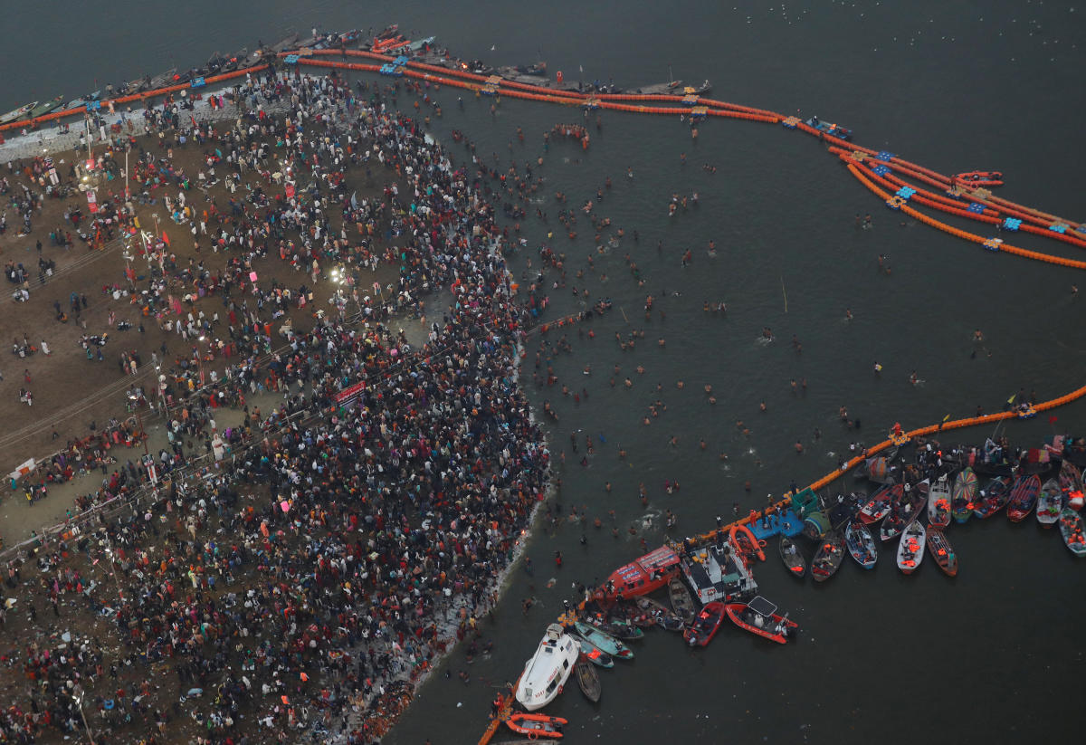 """An aerial view of the devotees gathered to take a holy dip during the second """"Shahi Snan"""" (grand bath) at """"Kumbh Mela"""" in Allahabad. (REUTERS)"""