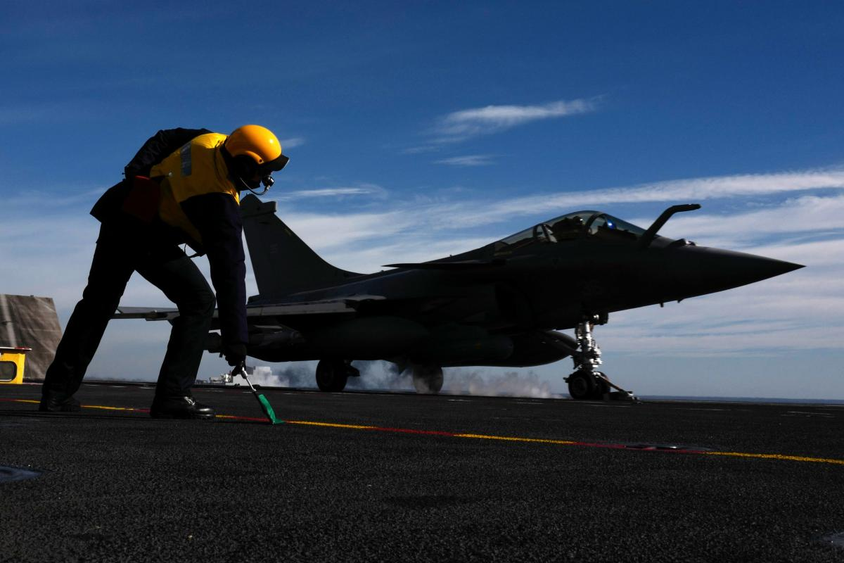 """The explanations from the Defence Ministry follow a report published in Monday's edition of The Hindu in which it has been claimed that Narendra Modi government gave """"major and unprecedented concessions"""" in the Rafale deal by dropping the anti-corruption clauses. The daily claims that the report is based on the documents that it has accessed exclusively. AFP File Photo."""
