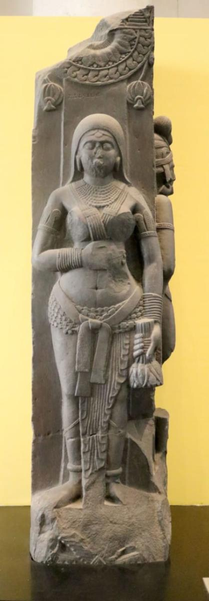 Specimen of Bhahrut sculpture about which visitors at Indian Museum can get information through the mobile application. DH Photo