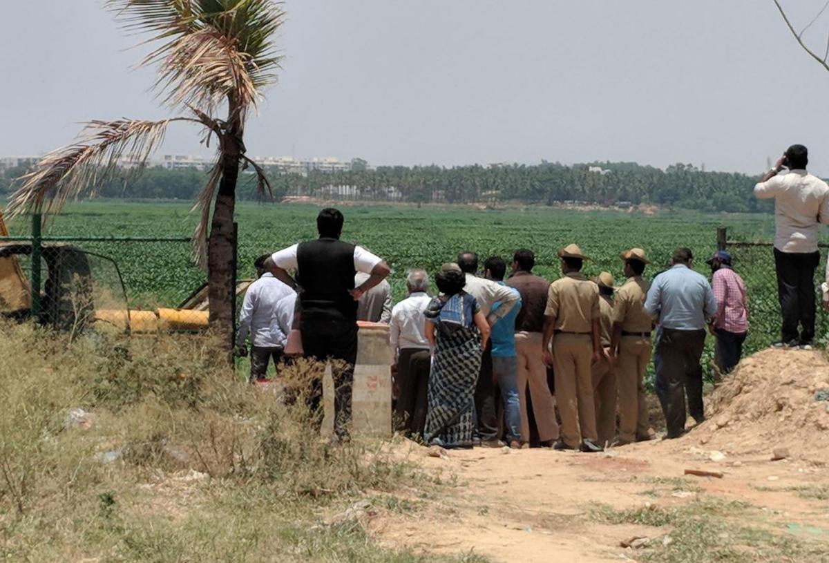 Green tribunal, BDA officials inspect Bellandur Lake
