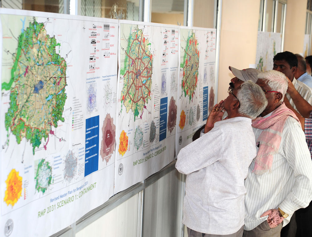 People look at the proposed BDA Master Plan. DH file photo.