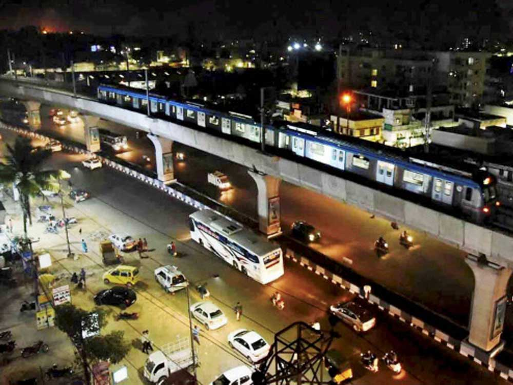Over 2 lakh passengers travel by Hyderabad metro rail on day 1