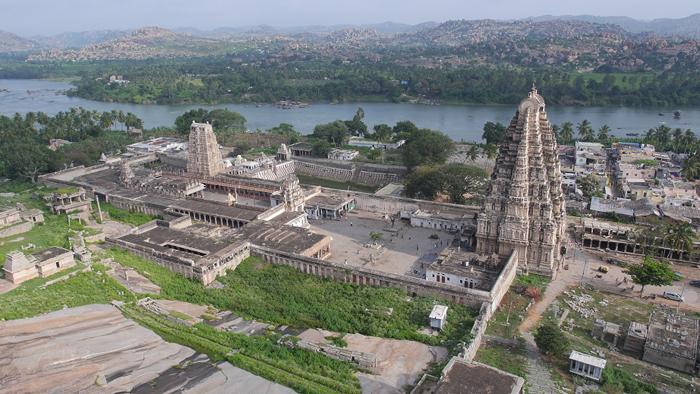 Virupaksha Temple. Image courtesy: Wikimedia Commons