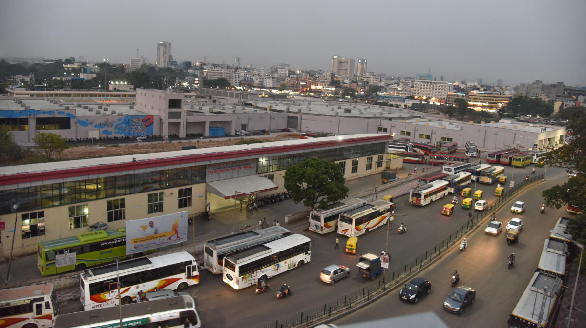 Majestic cannot be decongested unless the private bus operators are moved out, according to officials. DH FILE PHOTO
