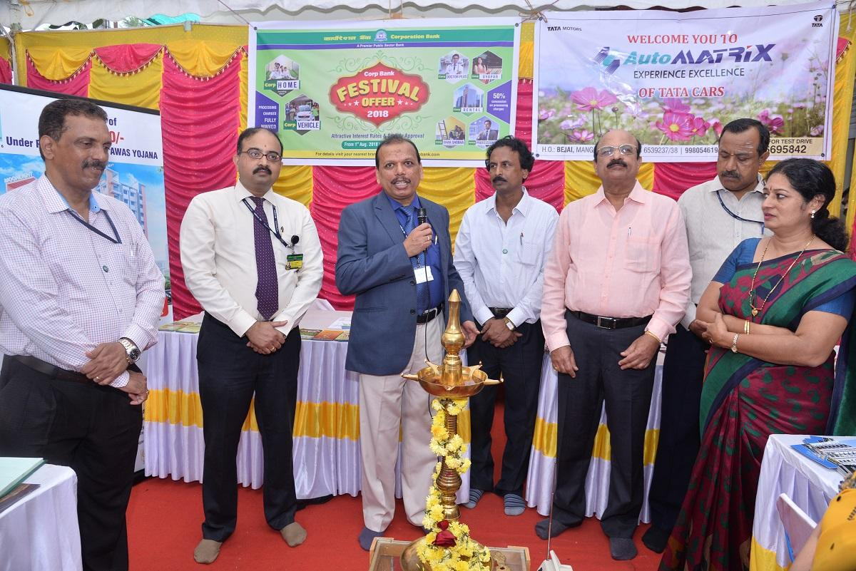 Corporation Bank General Manager E S Nagaraja Udupa inaugurates the Corporation Bank's Festival Offer-2018 in Mangaluru on Wednesday.