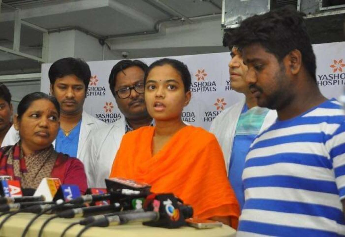 Speaking to media Madhavi and her husband Sandeep who was also attacked by her father in law said that they will never forgive Manoharachary.