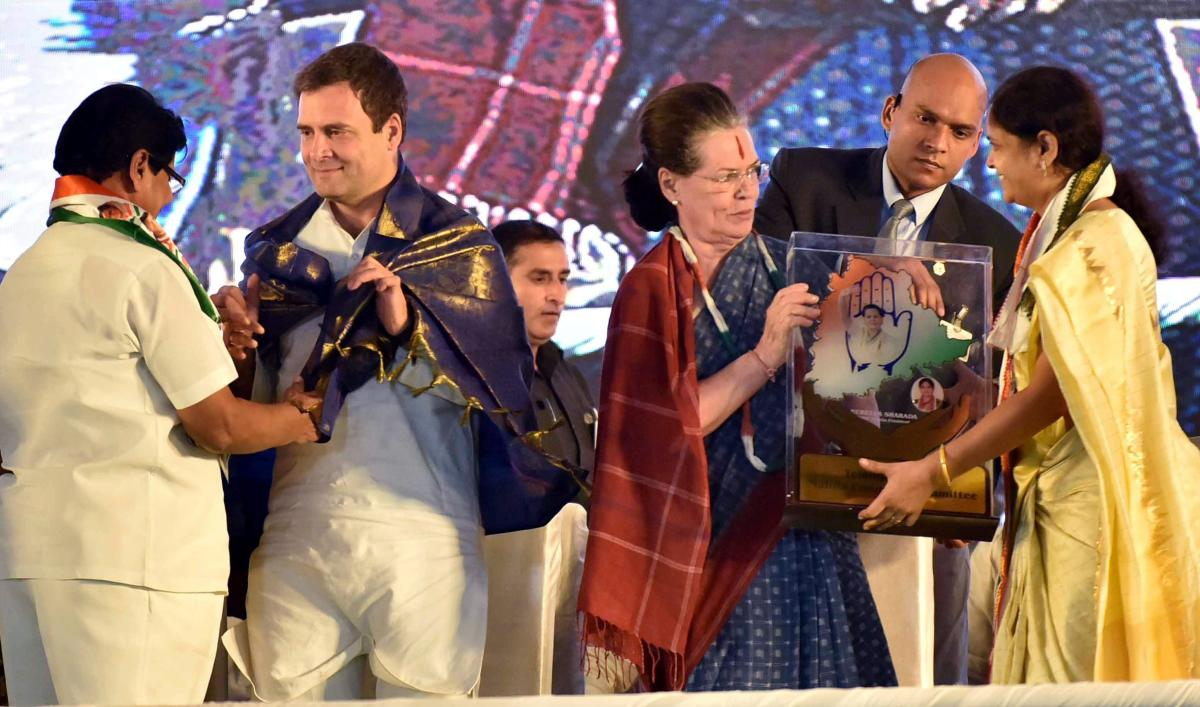 Congress President Rahul Gandhi and Sonia Gandhi being welcomed at an election rally in Medchal, Telangana, Friday, Nov 23, 2018. (PTI Photo)