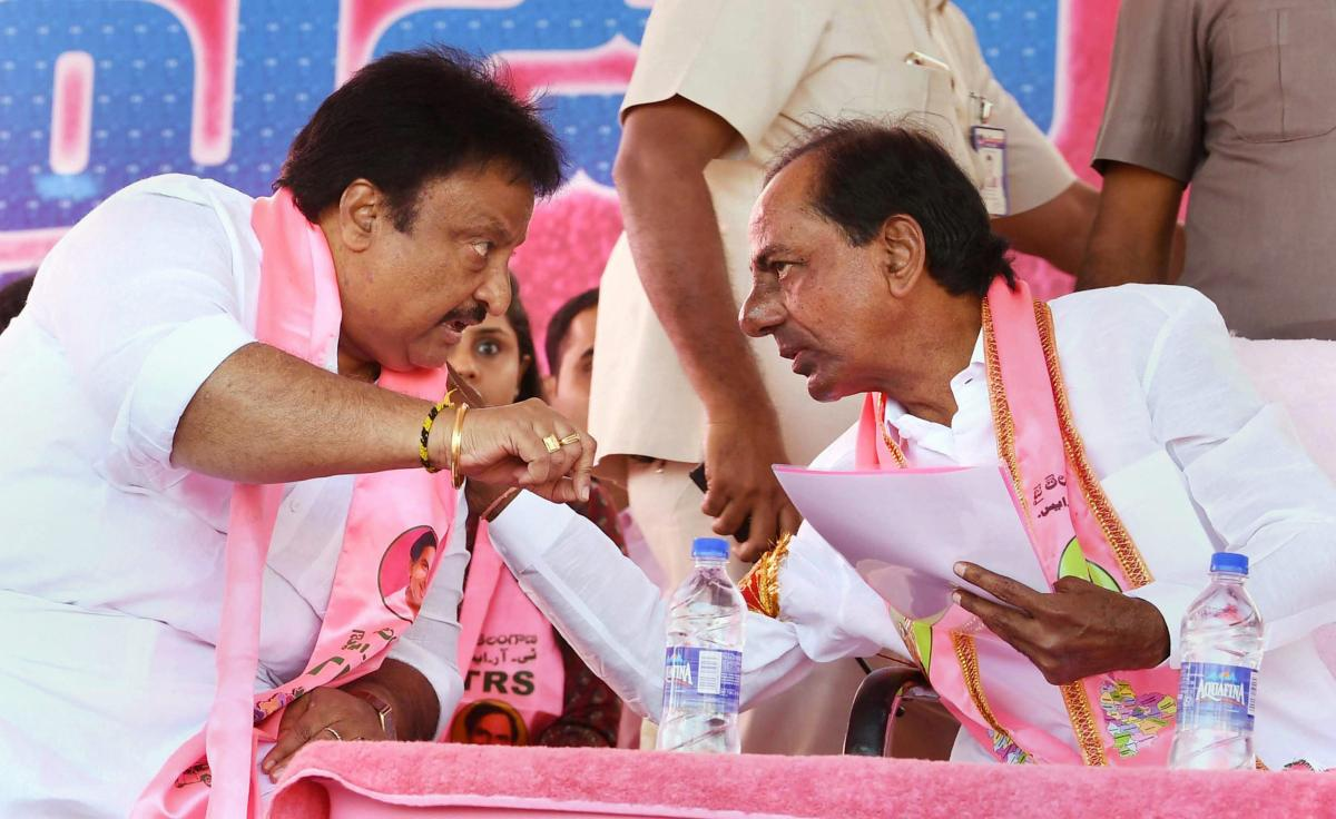 Telangana caretaker Chief Minister K Chandrasekhar Rao during an election rally at Kollapur in Mahbubnagar on Tuesday. PTI
