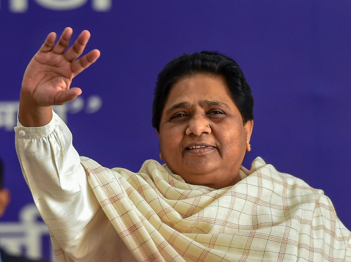 Lucknow: BSP President Mayawati at a meeting of senior party leaders and office bearers at the party office, in Lucknow, Sunday, March 3, 2019. (PTI Photo/Nand Kumar) (PTI3_3_2019_000064B)