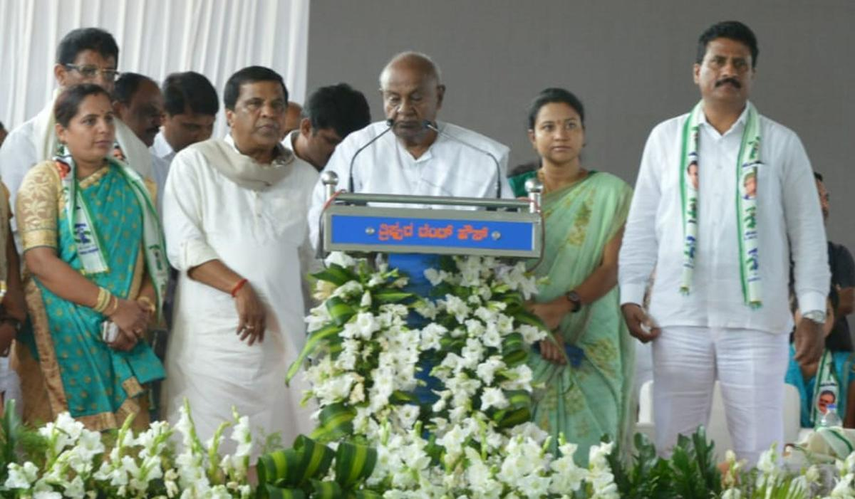 Former prime minister H D Deve Gowda speaks during a campaign for the byelections at Nagamangala, Mandya district, on Thursday.